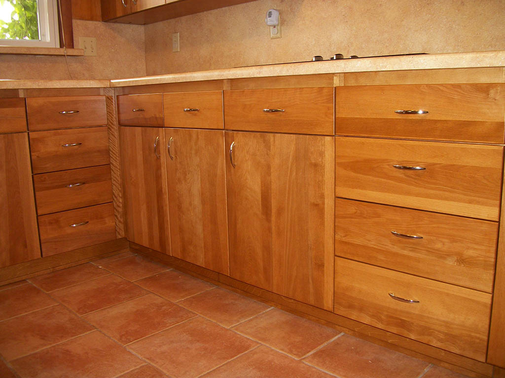 Base Cabinets With Drawer Bank