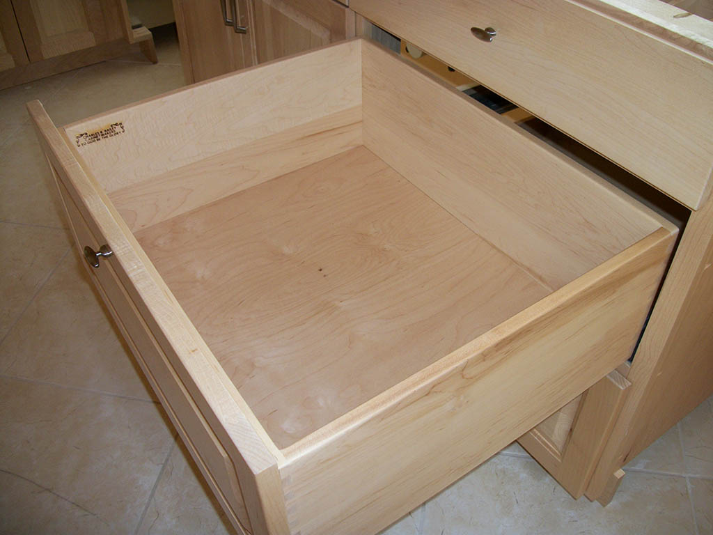 Kitchen cabinet drawer options for Kitchen cabinets and drawers
