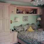 Square Raised Panel Door Cabinet with Bed