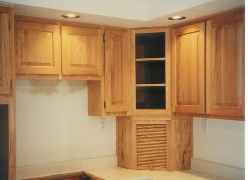Corner appliance garage for Appliance garage kitchen cabinets
